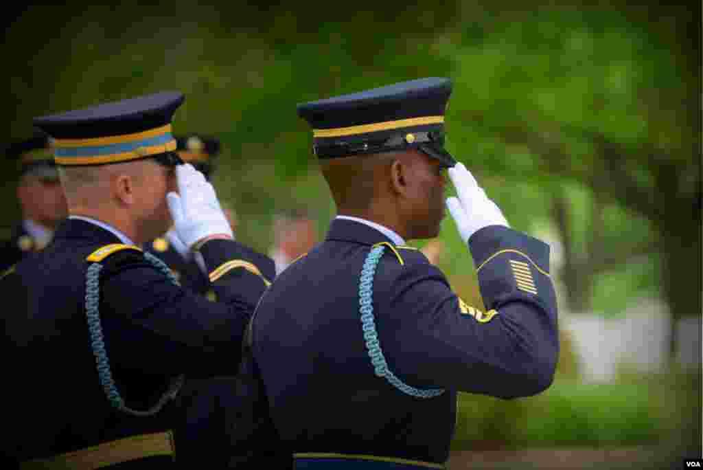 Офицеры гвардии