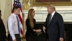 Presiden Trump Usulkan Bonus Bagi Guru Pembawa Senjata