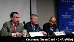 (Soldan sağa) Michael Reynolds, Svante Cornell, Behlül Özkan