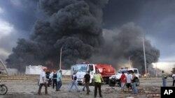 委內瑞拉消防人員繼續奮力撲救最大煉油廠的火警