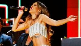 Rihanna à la 55ème cérémonie des Grammy Awards à Los Angeles, Californie, 10 février 2013. (REUTERS/Mike Blake)