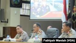 Kapolri Jenderal Tito Karnavian dalam konferensi pers di Gedung Rupatama Mabes Polri, Rabu (28/12). (VOA/ Fathiyah Wardah)