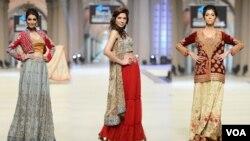 جدید طرز کے عروسی ملبوسات کی نمائش