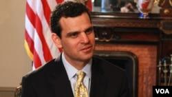 미국 재무부의 데이비드 코언 테러금융정보 담당 차관이 12일 VOA와의 단독 인터뷰에서, 대북 제재에 관한 입장을 밝혔다.