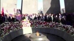 Джордж Клуни посетил Мемориал жертв геноцида армян под Ереваном