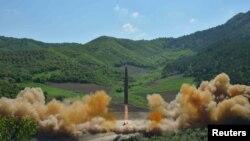 [뉴스 포커스] 북한 ICBM 시험발사, 한국 대통령 한반도 평화 구상 발표