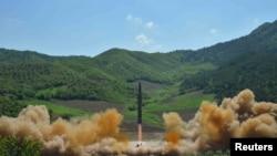 2017年7月4日,朝鲜宣布成功地试验一枚洲际弹道导弹。