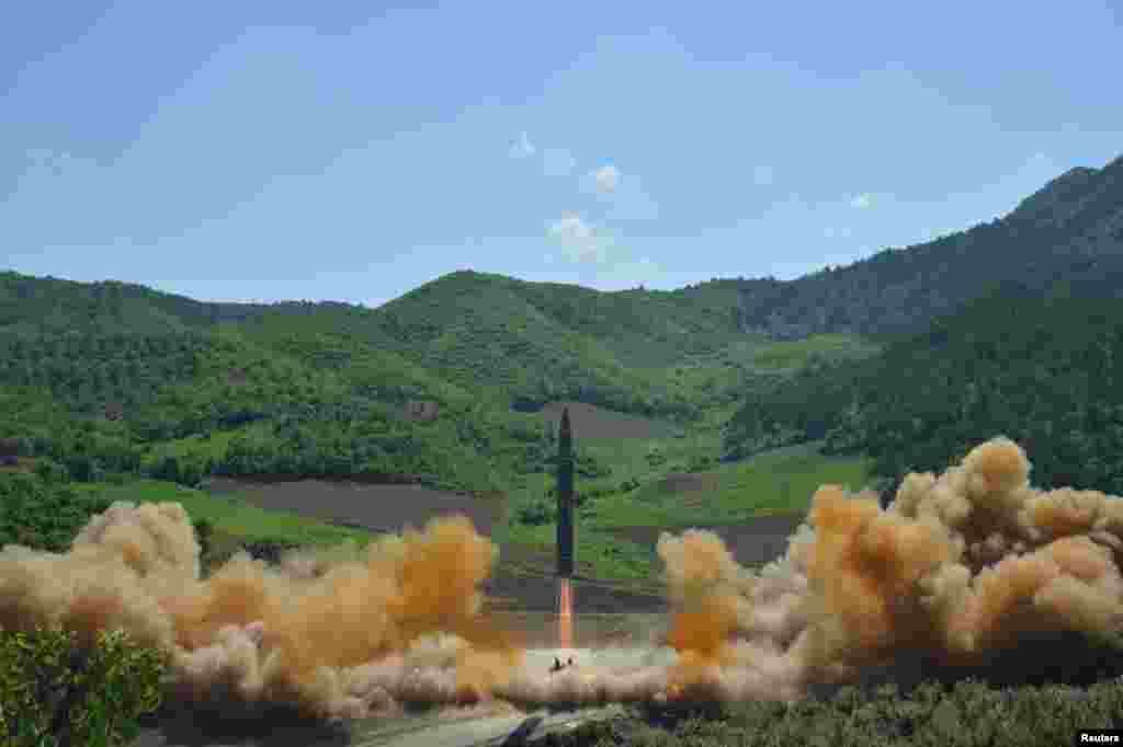 Interkontinental ballistik raketa Hwasong-14 sinovi, Shimoliy Koreya