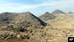 منابع عمدۀ لیتیم در ولایتهای غزنی، هرات و نیمروز موقعیت دارد