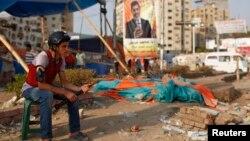 在埃及,被罷黜總統穆爾西的支持者仍然留在首都抗議﹐不願離開。