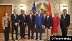 Crnogorski premijer Duško Marković sa kongresnom delegacijom SAD.