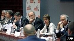 """Panel nedeljnika NIN na temu """"Odluka o kandidaturi - politicke i ekonomske posledice""""."""