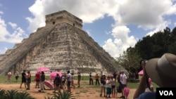 El Castillo trong khu di tích cổ Chichén Itzá (Ảnh: Bùi Văn Phú)