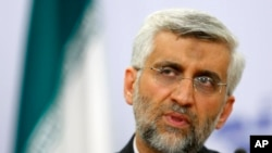 伊朗首席核谈判代表贾里里2012年6月19日在莫斯科就有争议的伊朗核计划问题进行商讨之后举行记者会发表谈话