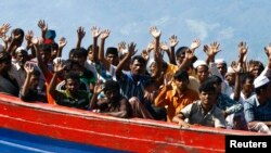Australia, Papua New Guinea Sign Refugee Relocation Pact