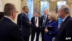 Predsednik Obama sa članovima svog tima za bliskostočnu politiku.