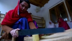 Pakistani Women Carpenters Prove They Can Build as Well as Men