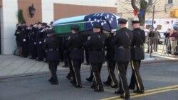 Velatorio de policía asesinado en NY