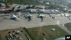Salah satu sudut Bandara Haiti (VOA Photo/Margaret Besheer). Haiti mengubah nama bandara di bagian utara negara itu dengan mengambil nama mendiang Presiden Venezuela, Hugo Chavez.