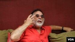 En 2007 le robaron equipos de filmación y computadoras, donde Coppola guardaba el guión de su película Tetro.