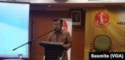 Wakil Presiden ke-12 Jusuf Kalla saat menghadiri diskusi yang diselenggarakan Jenggala Center di Jakarta, Selasa, 3 Desember 2019. (Foto: VOA/Sasmito)