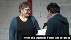 Novinarka nedeljnika Vreme i agencije Fonet Tamara Skrozza pri uručivanju nagrade, Foto: video grab