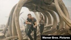 "Salah satu adegan dalam film ""Kong: Skull Island""."