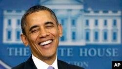 Presiden Barack Obama dalam konferensi pers akhir tahun setahun yang lalu di Gedung Putih Washington, DC, 20 Desember 2013 (Foto: dok).