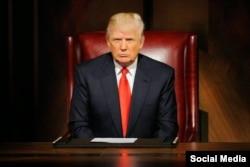 دونالد ترامپ در زمان اجرای برنامه