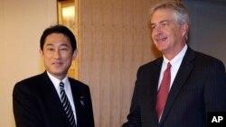 일본을 방문한 윌리엄 번즈 미 국무부 부장관이 24일 도쿄에서 키시다 후미오 일본 외무상과 회담했다.