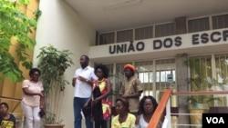 Jovens angolanos reunidos na União de Escritores em Luanda. Jan 24, 2017