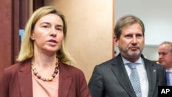 Federica Mogherini and Johannes Hahn