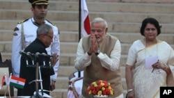 Thủ tướng Ấn Độ Narendra Modi tuyên thệ nhậm chức ngày 26/05/2014.