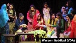 سٹیج ڈرامے کا ایک منظر