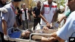 لیبیا کے شہر مصراتہ میں معمر قذافی کی حامی افواج اور حکومت مخالف باغیوں کے درمیان شدید جھڑپیں ہوئی ہیں۔