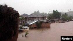 Banjir di Manado pada 2006, yang menewaskan sedikitnya 24 orang. (Foto: Dok)