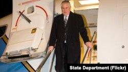 အေမရိကန္ႏုိင္ငံျခားေရးဝန္ႀကီး Rex Tillerson အာရွခရီးစဥ္စတင္။