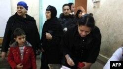 Phụ nữ Ai Cập đi bỏ phiếu