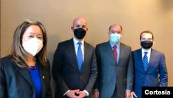 El asesor de seguridad nacional, José González, se reunió en Bogotá con funcionarios del Gobierno interino venezolano. [Foto: Twitter @JulioBorges]