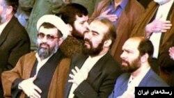 علی فلاحیان (چپ) و محمد بشارتی وزرای اطلاعات و کشور دولت هاشمی که ترورهای میکونوس و انفجار آمیا در زمان آنها صورت گرفت.