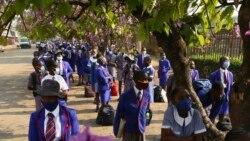 Abazali Bakhala Ngokuswelakala Kwezifundo Zabantwana Asebevuke Eseganga