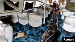 9月27日巴基斯坦巴士被炸彈襲擊後情形。