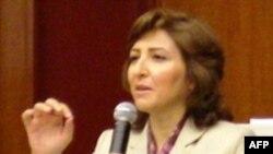 Ziyalılar azərbaycanlı qadının azadlığa buraxılmasını tələb edir