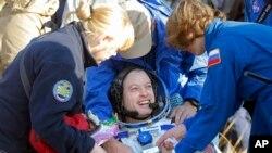 국제우주정거장에 머물며 임무를 수행해온 우주인 3명 중 한 명인 스티븐 스완슨이 11일 지구로 무사히 귀환했다.