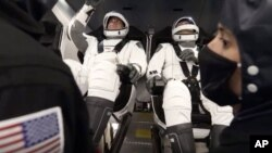 Astronauti Bob Benken i Dag Harli spremni za poletanje (Foto: SpaceX)