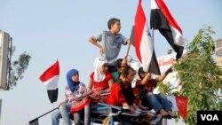 Anak-anak telah ikut serta dalam protes-protes di Mesir sejak demonstrasi meluas dan hampir konstan pada 2011. (VOA/H. Elrasam)