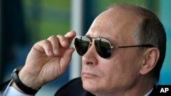 ولادیمیر پوتین، رئیس جمهور روسیه، گفته است که انتظار داشت تا روابط با ایالات متحده بهبود یابد، اما چنین نشد