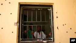 지난해 3월 나이지리아 소코토에서 외국인 인질범이 살해된 현장. (자료사진)