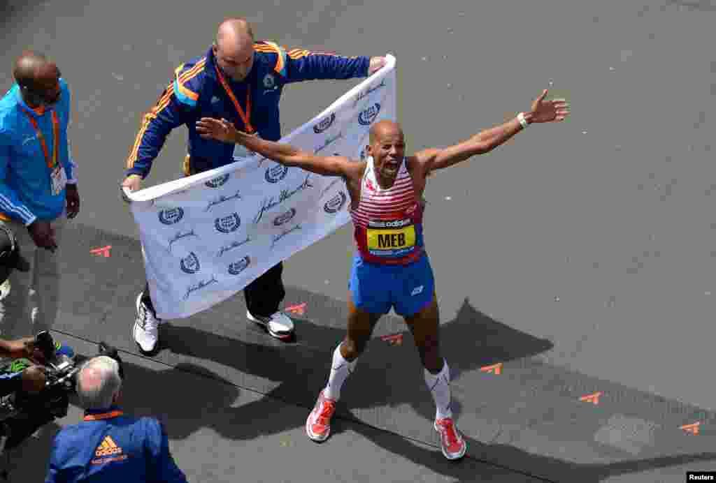 Ο αμερικανός δρομέας, Μεμπ Κεφλεζιγκί, είναι ο νικήτης του φετινού Μαραθωνίου στη Βοστόνη
