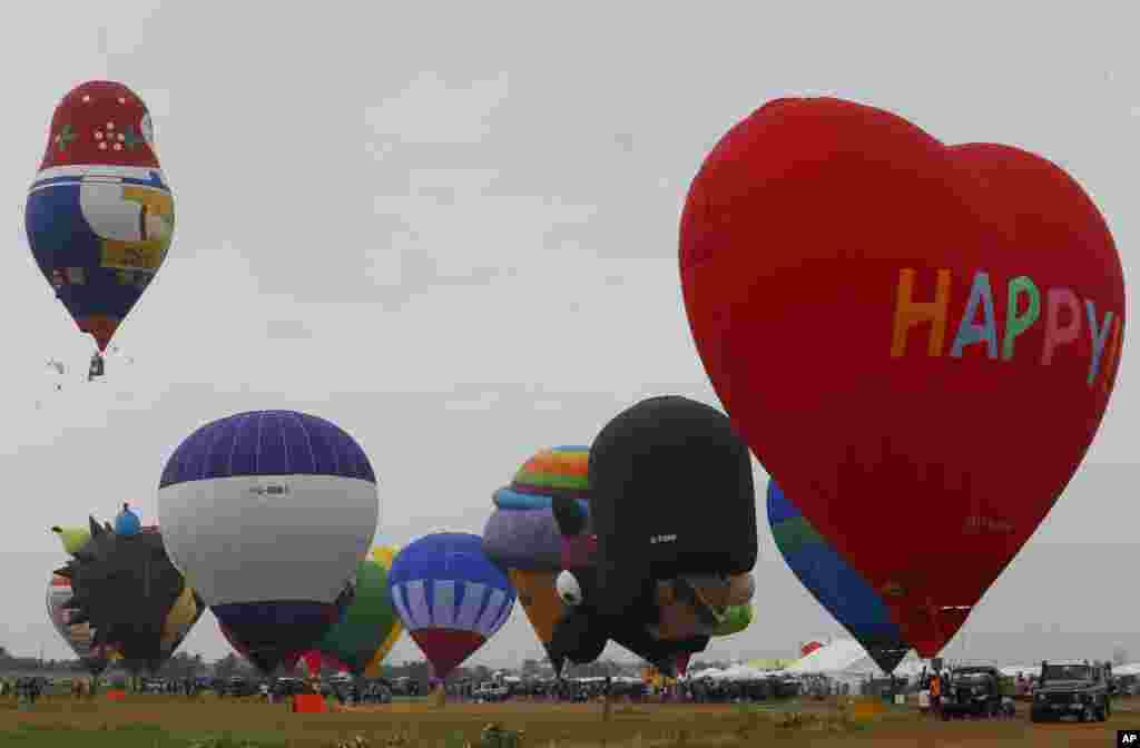 جشنواره بالن ها از کشورهای مختلف در مانیل فیلیپین